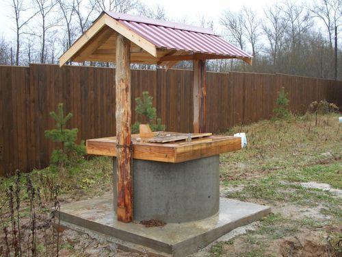 Домик для колодца. Как сделать домик на колодец?