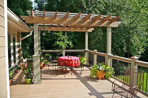Как пристроить террасу к дому?