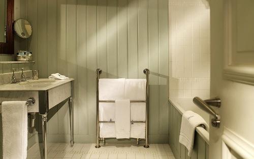 Продуманный дизайн интерьера ванной комнаты