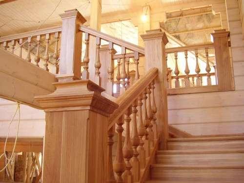 Дачные лестницы на второй этаж и их виды