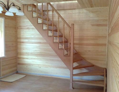 Дачные лестницы на второй этаж