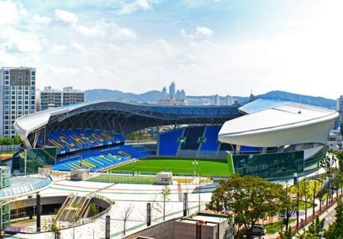 Футбольный стадион Sungui Arena Park в Южной Кореи