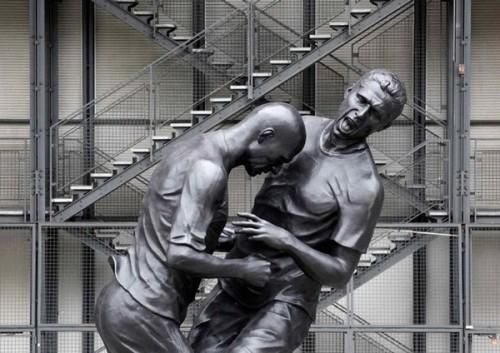Злой Зидан показанный в скульптуре Адела Абдессмеда (Adel Abdessemed)