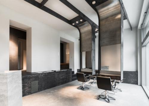 Интерьер салона красоты Viktor Leske International в Берлине