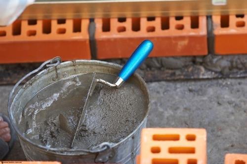 Как приготовить цементный раствор зимой?