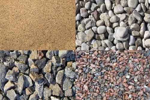 Щебень и песок в составе бетона