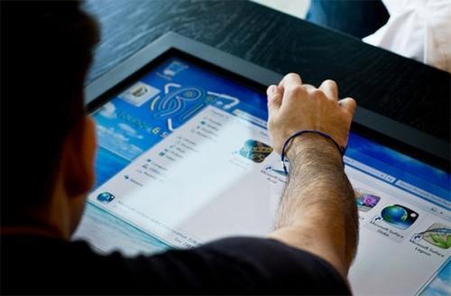 Журнальный столик-компьютер Mozayo. Фото 3