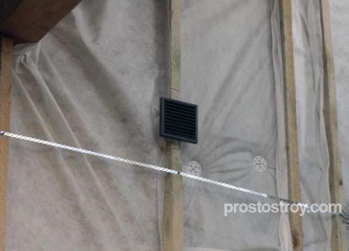 Проход вентиляционной трубы через стену