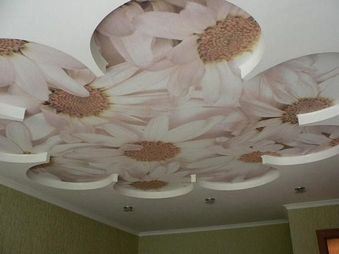 Потолок из гипсокартона в виде цветка