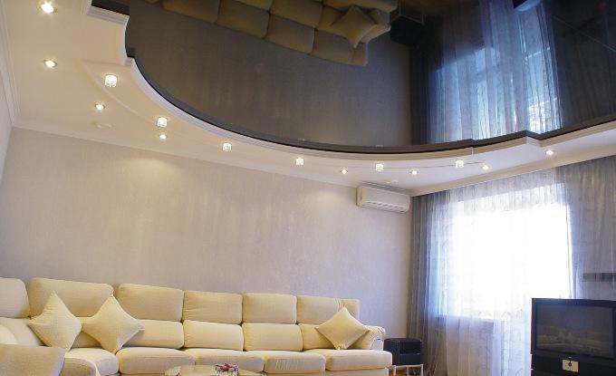 Черно-белый потолок из гипсокартона