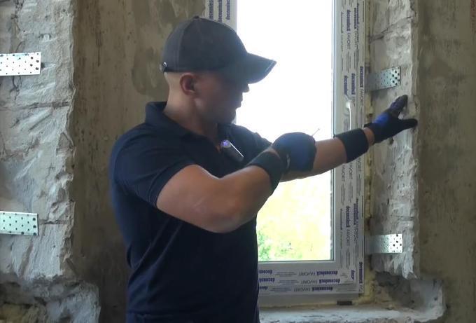 Монтаж пластикового окна в проём из пеноблоков. Видео
