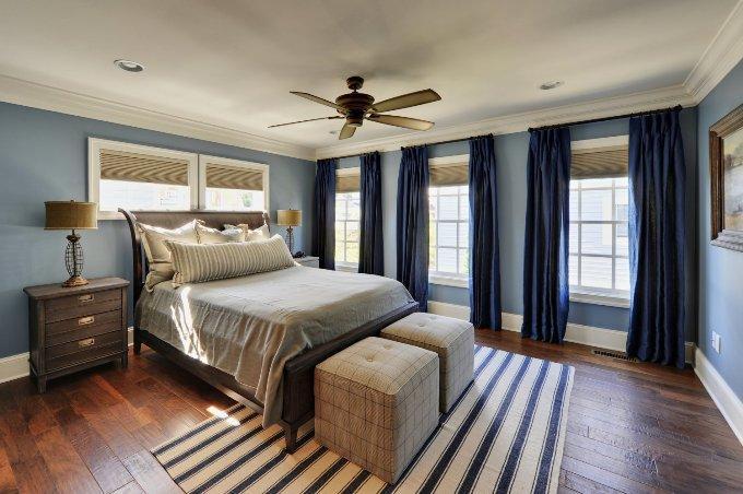 Синий и серый цвет в спальне