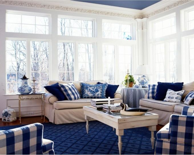 Насыщенный синий с белым в интерьере