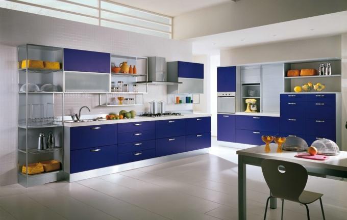 Оформление кухни в синем цвете фото