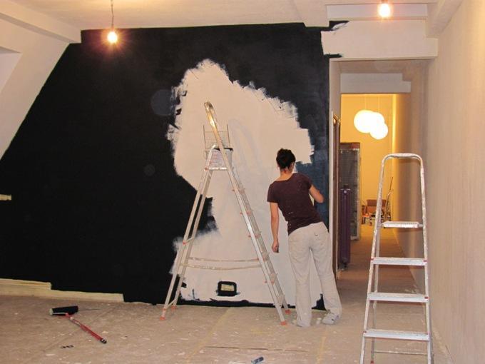 Покраска стен кухни