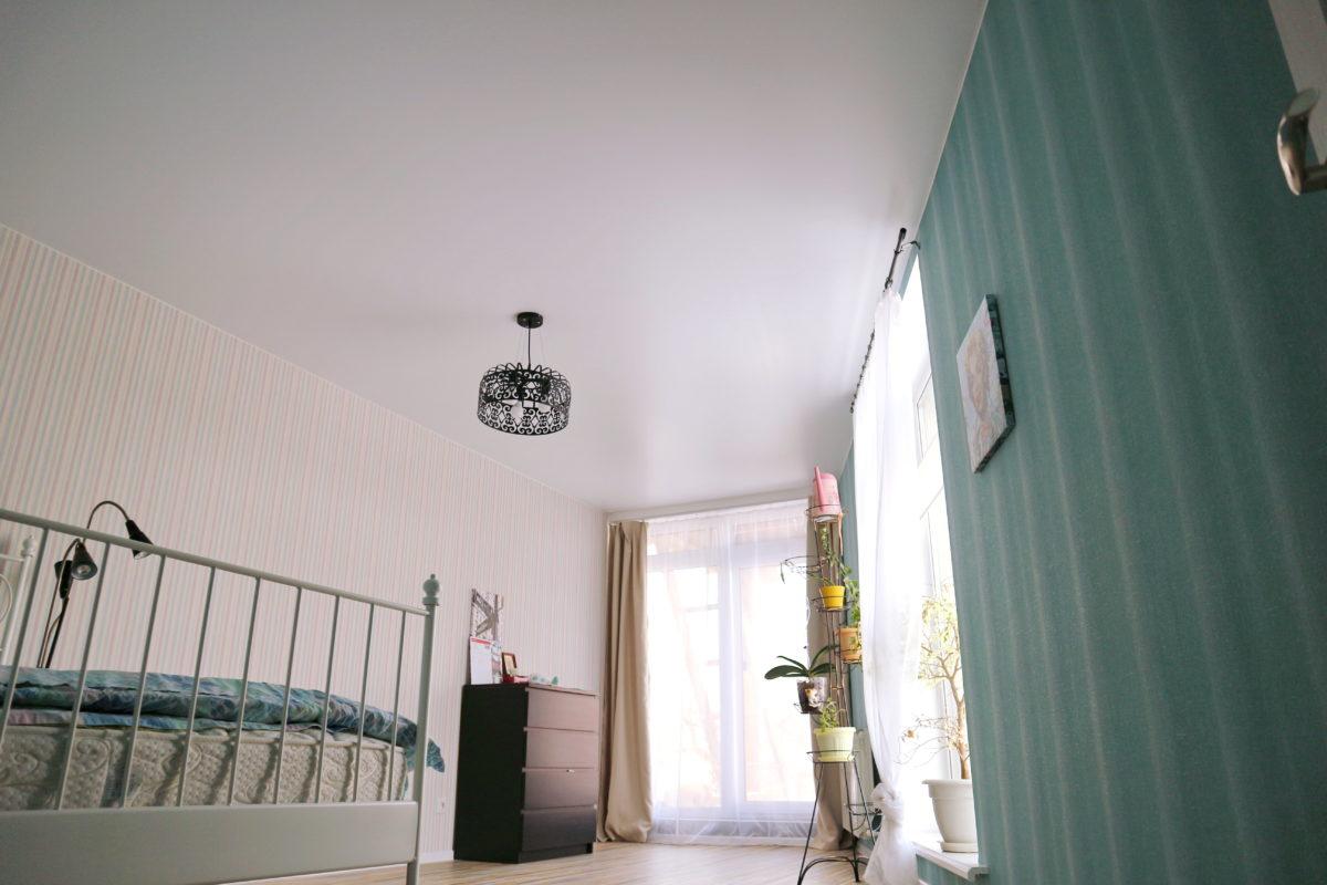 Натяжной потолок из ткани или ПВХ – чему отдать предпочтение