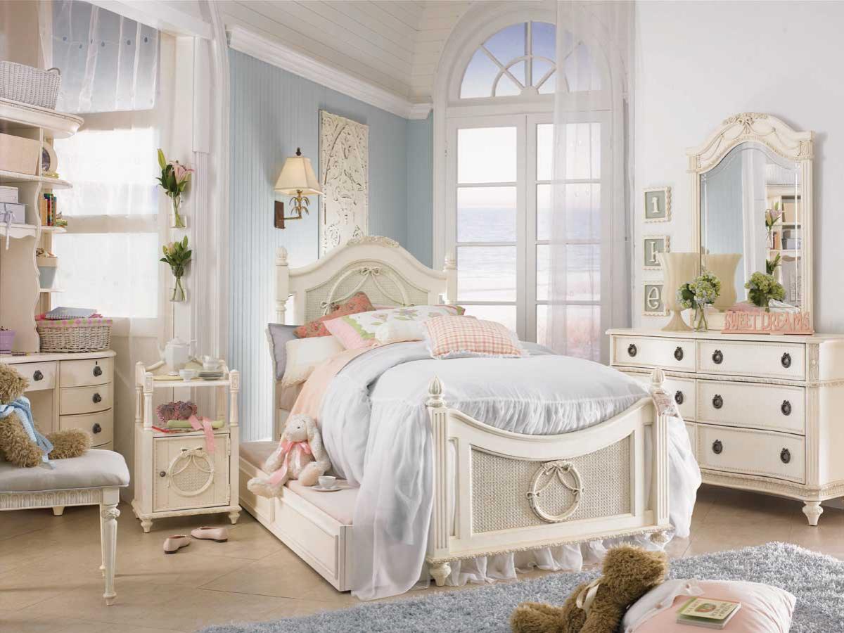 Романтическая спальня в стиле Шебби-шик