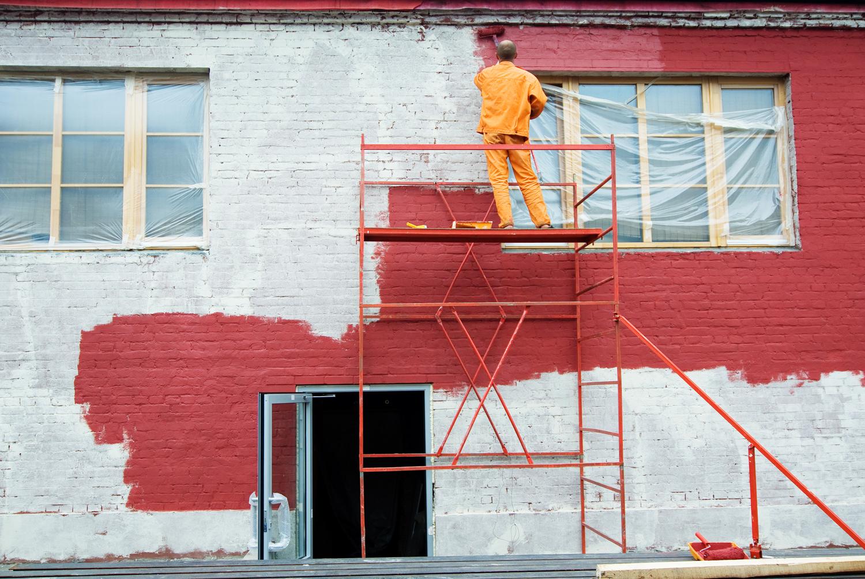Окрашивание фасада водоэмульсионной краской