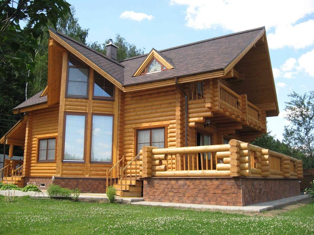 Преимущества древесины как строительного материала и особенности отделки деревянных домов