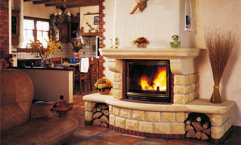 Что лучше для домашнего отопления с помощью камина: газ или древесина?