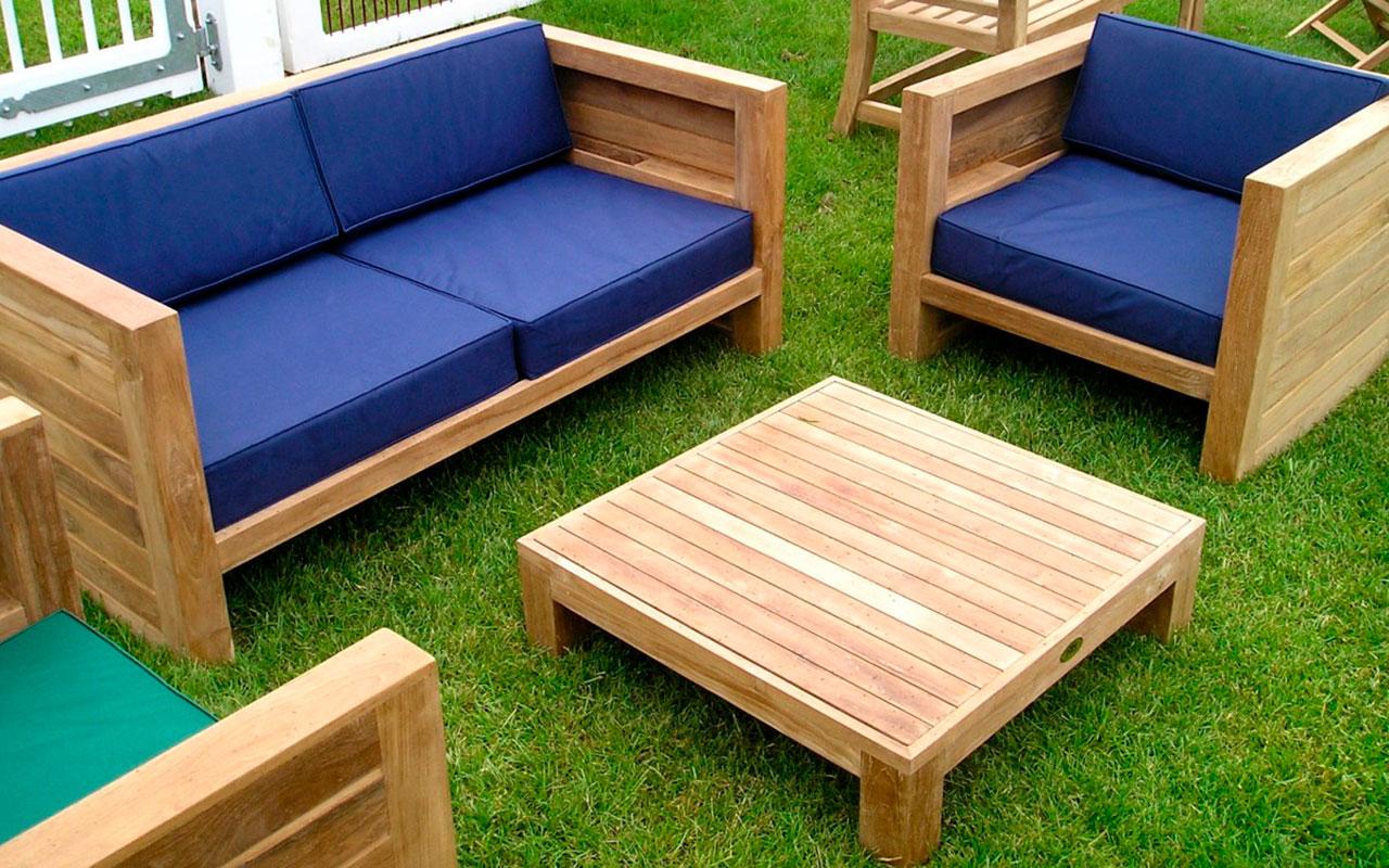 Мастерим мебель для загородного участка