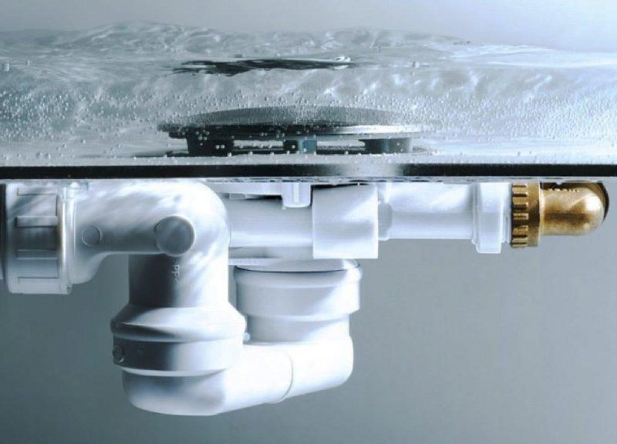 Как правильно подобрать сифон для ванны с ревизией