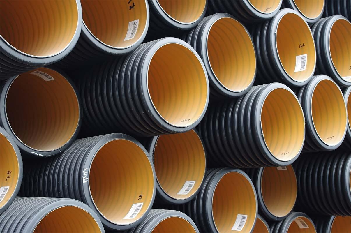 Преимущества труб ПВХ и труб из нержавеющей стали