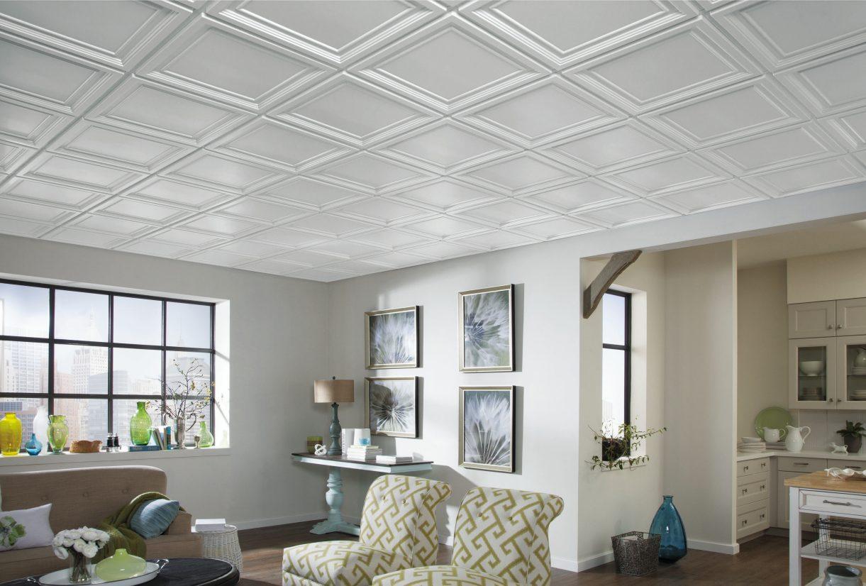 Какой клей лучше использовать при наклейке полистирольных плит на потолок