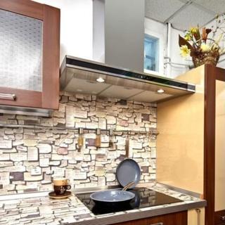 5 причин для установки стеклянной вытяжки на кухне