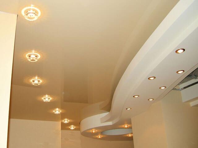 Какие отличия существуют между натяжными потолками?