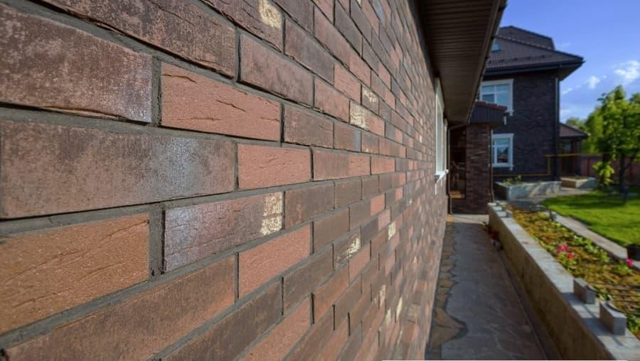 Клинкерные фасадные термопанели: позволяют одновременно осуществить утепление и фасадную отделку здания